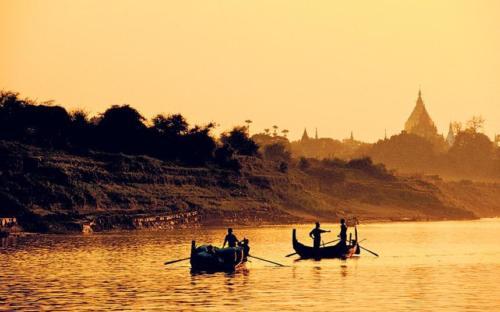 Boat-trip-to-Kyauk-Gu-U-Min-Bagan