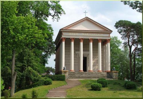 rogalin kaplica